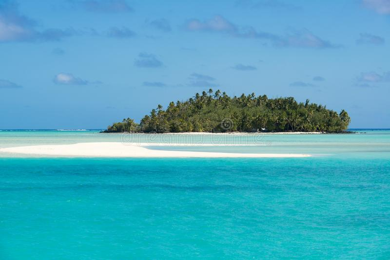 Perfect island in turquoise clear water, deep blue sky, white sand, Pacific Island royalty free stock photography