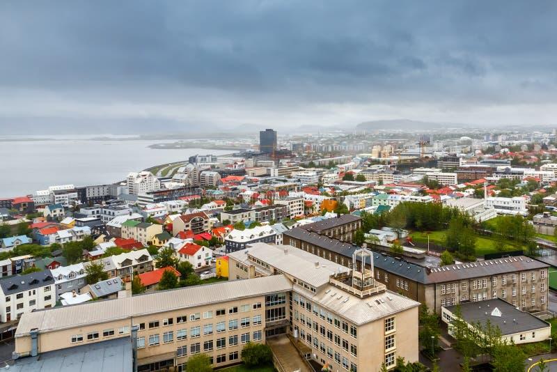 Islandzka kapitałowa panorama, ulicy i kolorowy resedential bui, fotografia royalty free