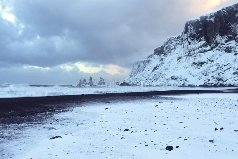 Islandzka plaża w zimie zdjęcia stock
