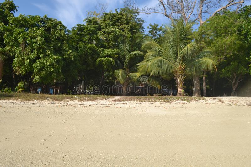 Islas Andaman y Nicobar Resort a orillas de la playa Clima tropical fotos de archivo libres de regalías
