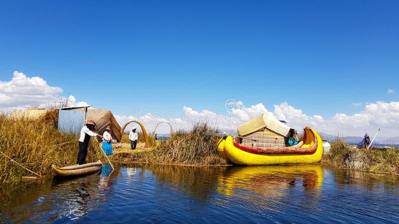 Islas de los Uros, el lago Titicaca, Perú foto de archivo