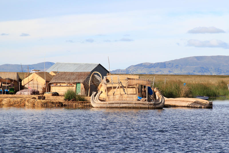 Islas flotantes de Titicaca imagen de archivo libre de regalías
