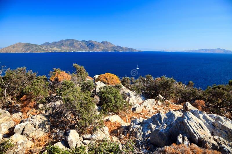Islas griegas en el día asoleado imagenes de archivo