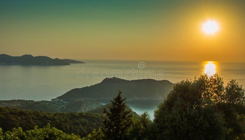 Islas jónicas Grecia de la puesta del sol de Kefalonia fotografía de archivo libre de regalías