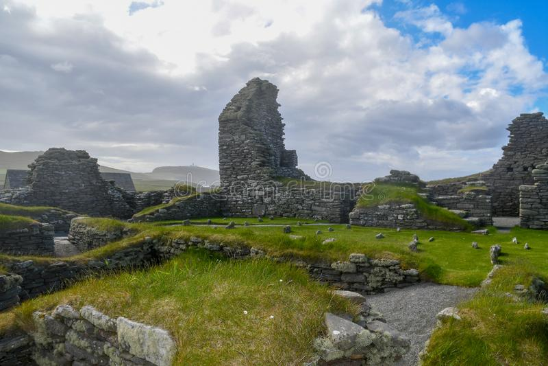 Islas Orcadas, Brae de Skara Ruinas neolíticas fotografía de archivo