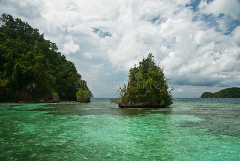 Islas y mar fotos de archivo