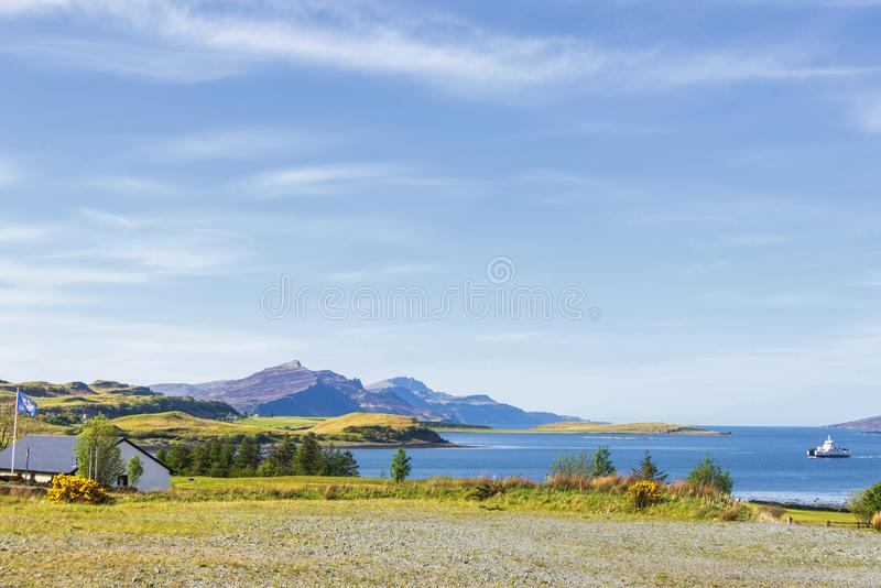 Isle of Skye landscape. Views of a lake with a mountain in the background inside Isle of Skyen stock photography