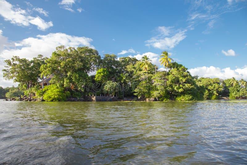 Isletas, kleine eilanden van het meer van Nicaragua stock foto