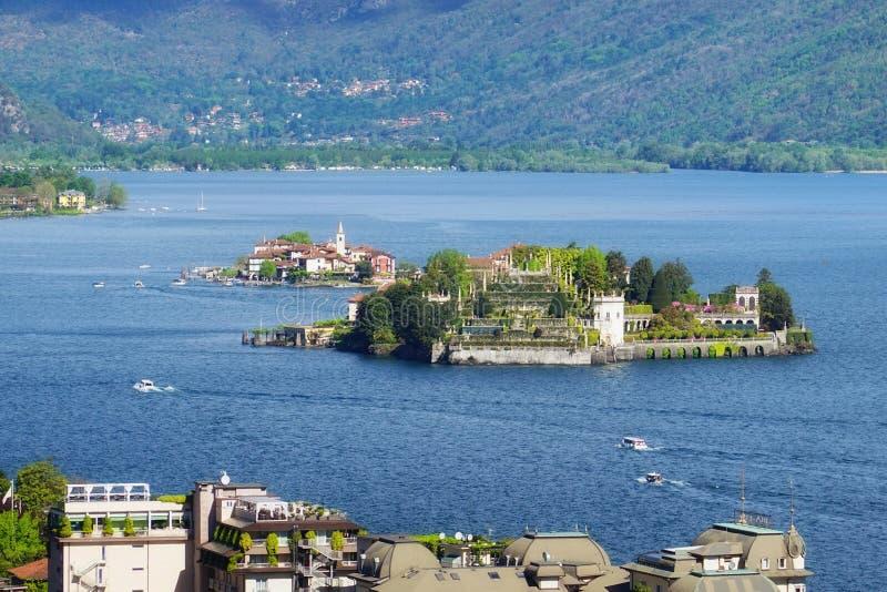 Isola Bella en Isola-dei Pescatori, de beroemde Eilanden op het meer van Lago Maggiore Stresa, Itali? royalty-vrije stock afbeelding