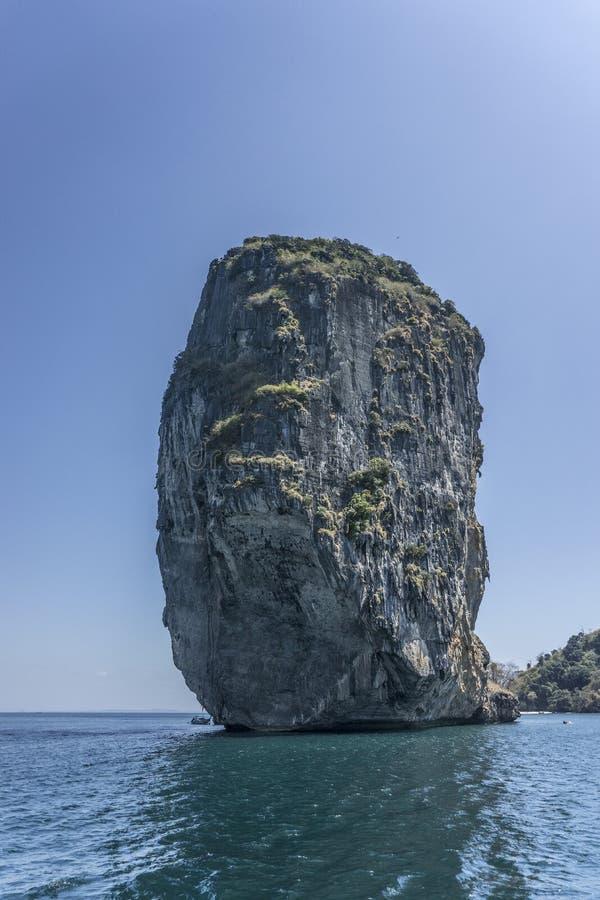 Isola bizzarra Tailandia del sud del calcare Corsa Krabi immagini stock libere da diritti