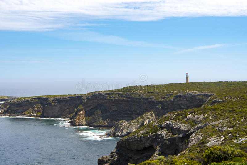 Isola del canguro del faro e della linea costiera, Australia fotografia stock libera da diritti