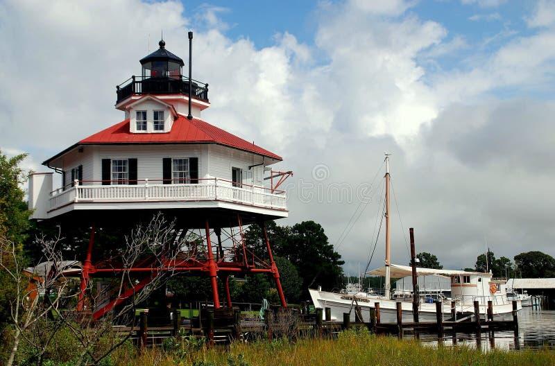 Isola del ` s di Solomon, MD: Faro del punto del tamburo immagini stock