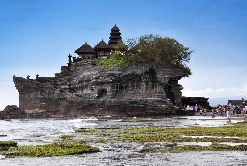Isola di Bali del tempio indù del tempio del lotto di Tanah, Indonesia immagine stock libera da diritti