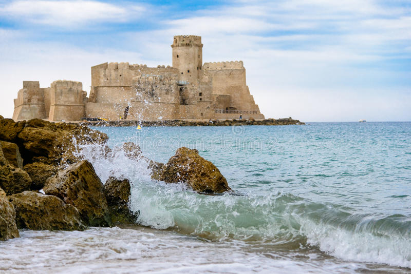 Isola di Capo Rizzuto est un comune dans la province de Crotone, Ca images libres de droits