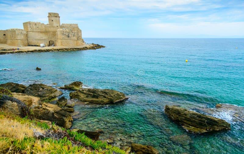 Isola di Capo Rizzuto, landskapet av Crotone, Calabria, Italien royaltyfri fotografi