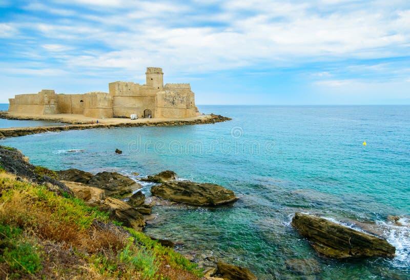 Isola di Capo Rizzuto, landskapet av Crotone, Calabria, Italien arkivbilder