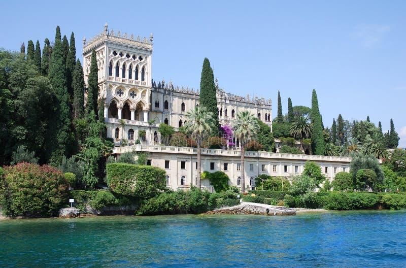 Isola di Garda (Italia) - palacio fotografía de archivo