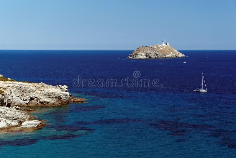 Isola di Giraglia in capo corso fotografia stock