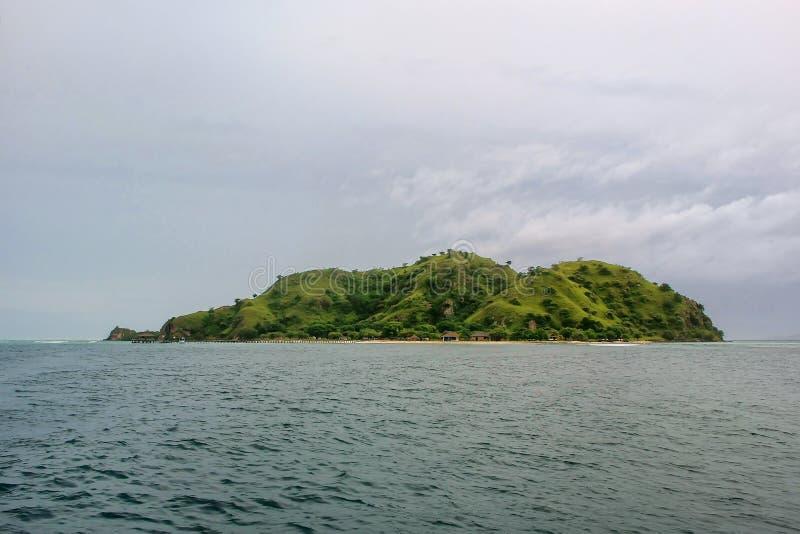 Isola di Kanawa nel mare del Flores, Nusa Tenggara, Indonesia immagine stock