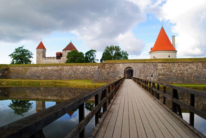 Isola di Saaremaa, castello di Kuressaare in Estonia fotografia stock