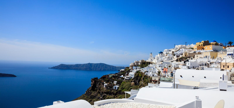 Isola di Santorini, Grecia - caldera sopra il mar Egeo immagine stock libera da diritti