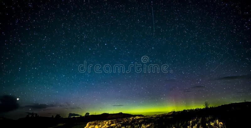 Isola di Skye Northern Lights e delle stelle immagini stock