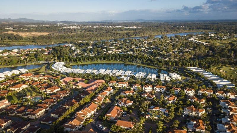 Isola di speranza di vista di mattina, la Gold Coast che esamina il fiume di coomera immagine stock libera da diritti