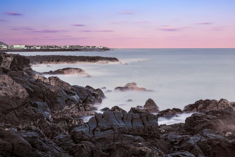 Isola Lava Rock Seascape di Jeju immagine stock libera da diritti