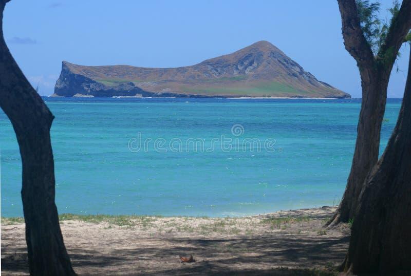 Isola in mare aperto immagine stock