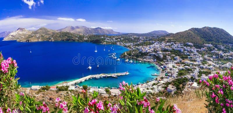 Isola Scenic Leros Dodekanese bella vista del villaggio e della spiaggia di Panteli Grecia immagini stock libere da diritti