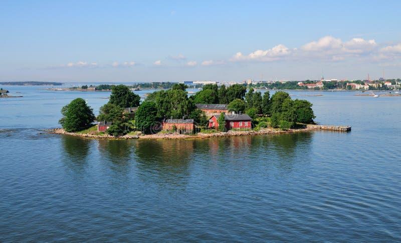 Isola sul litorale di Helsinki, Finlandia fotografia stock libera da diritti