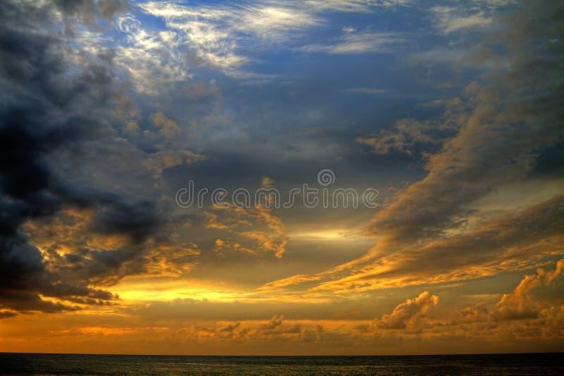 Isola tramonto di Kauai, Hawai fotografia stock libera da diritti