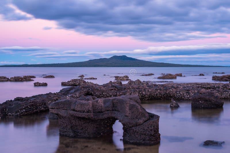 Isola Volcano Auckland New Zealand di Rangitoto fotografia stock libera da diritti