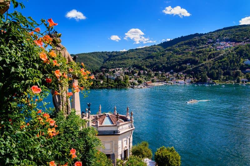 Isolabella Islad Maggiore jezioro obrazy royalty free