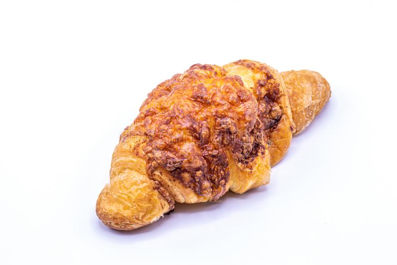 Isolado amanteigado fresco e saboroso dos croissant no fundo branco imagens de stock royalty free