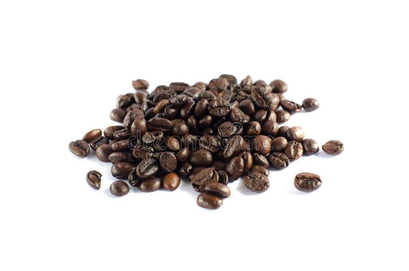 Isolado do feij?o de caf? no fundo branco imagem de stock royalty free