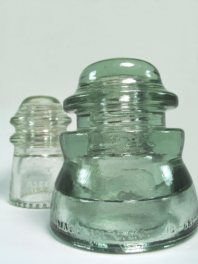Download Isoladores de vidro velhos imagem de stock. Imagem de elétrico - 527599