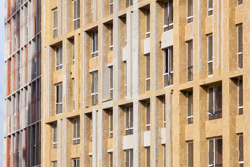 Isolamento esterno della parete Rinnovamento della parete della casa di rendimento energetico per il risparmio energetico fotografia stock libera da diritti