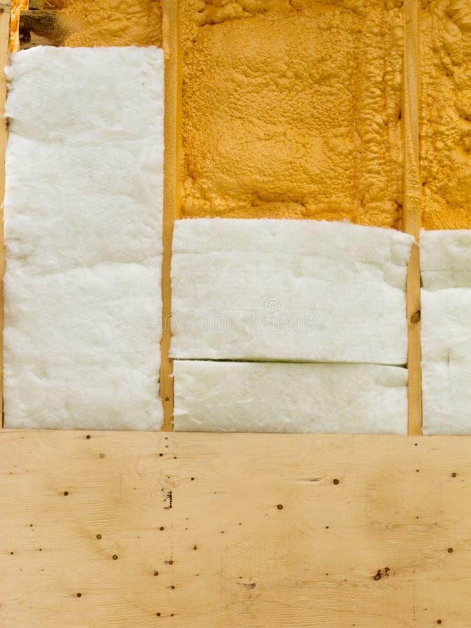 Isolation de mur pour économiser l'énergie calorifique image libre de droits