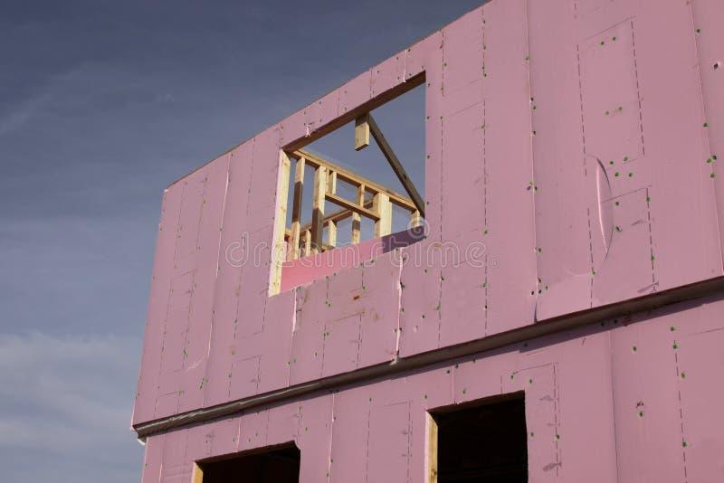 isolation sur une maison neuve image stock image du construction bord 10736955. Black Bedroom Furniture Sets. Home Design Ideas
