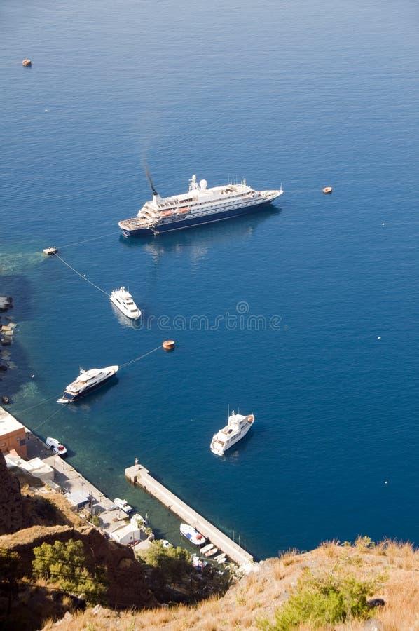 isole del Greco di santorini della vecchia porta degli yacht fotografie stock libere da diritti