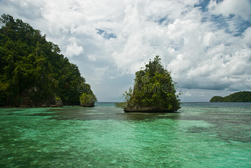 Isole e mare fotografie stock