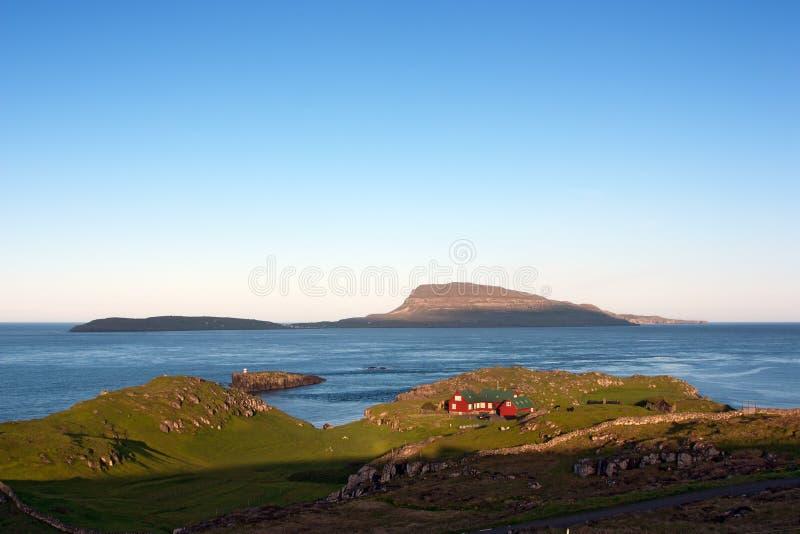 Isole faroe modific il terrenoare al tramonto fotografie stock libere da diritti