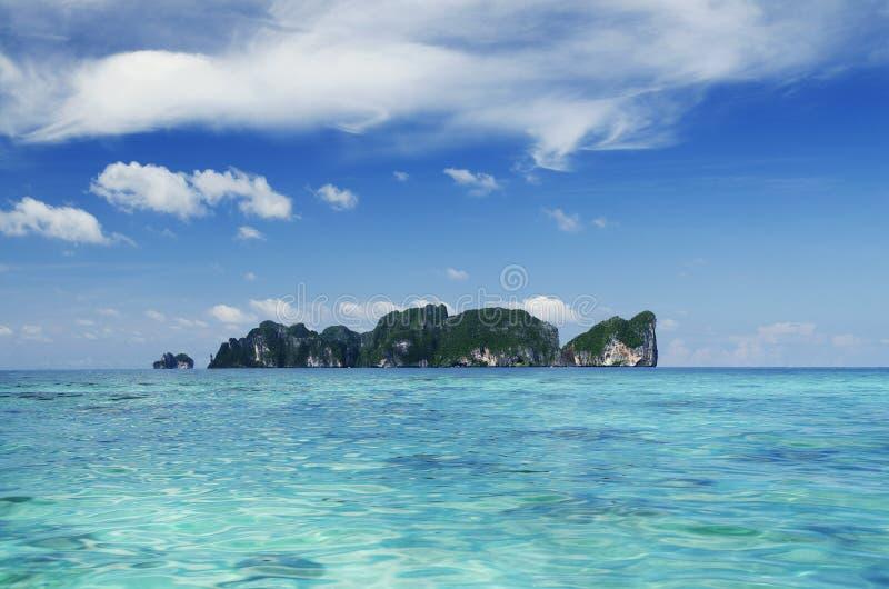 Isole tropicali di paradiso di phi di Phi in Tailandia immagine stock
