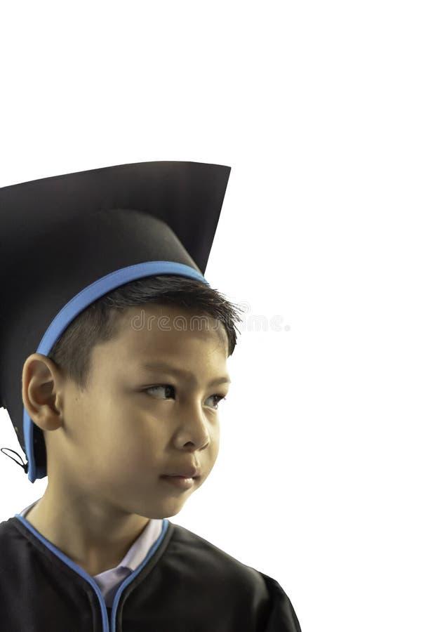 Isoleerde de een diploma behaalde jongen van kleuterschool Deze studie de eerste om op het volgende niveau op Witte Achtergrond i stock foto's