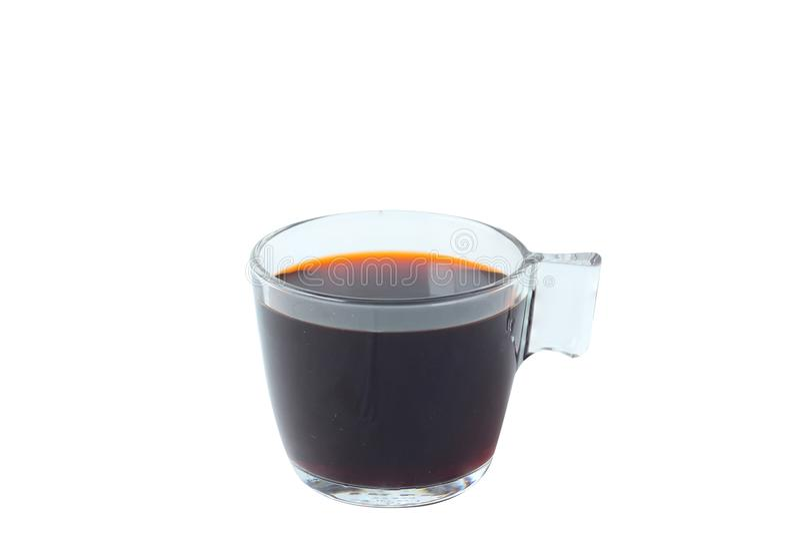 Isolera varmt kaffe i exponeringsglas på vit bakgrund arkivbilder