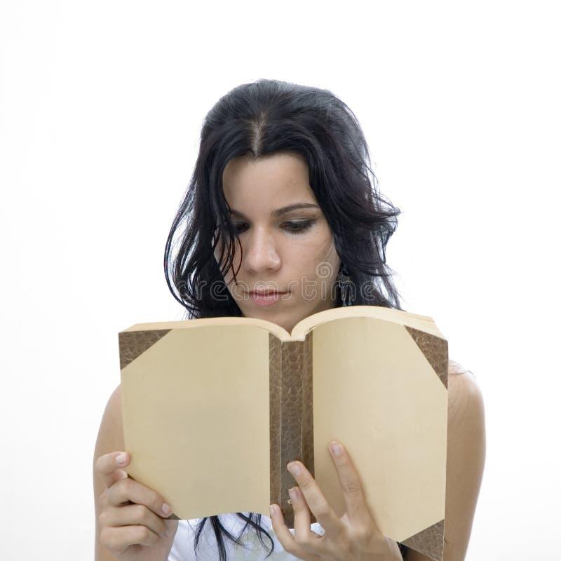 isolerad avläsning för bok flicka royaltyfri foto