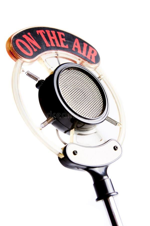isolerad gammal fotowhite för mikrofon royaltyfria foton