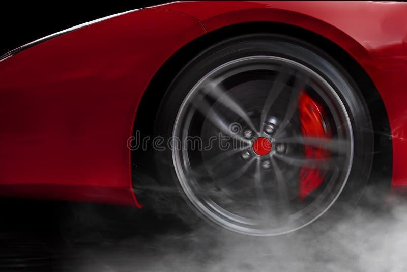 Isolerad generisk röd sportbil med detaljen på hjulet med röda avbrott som driver och röker på en mörk bakgrund royaltyfri foto