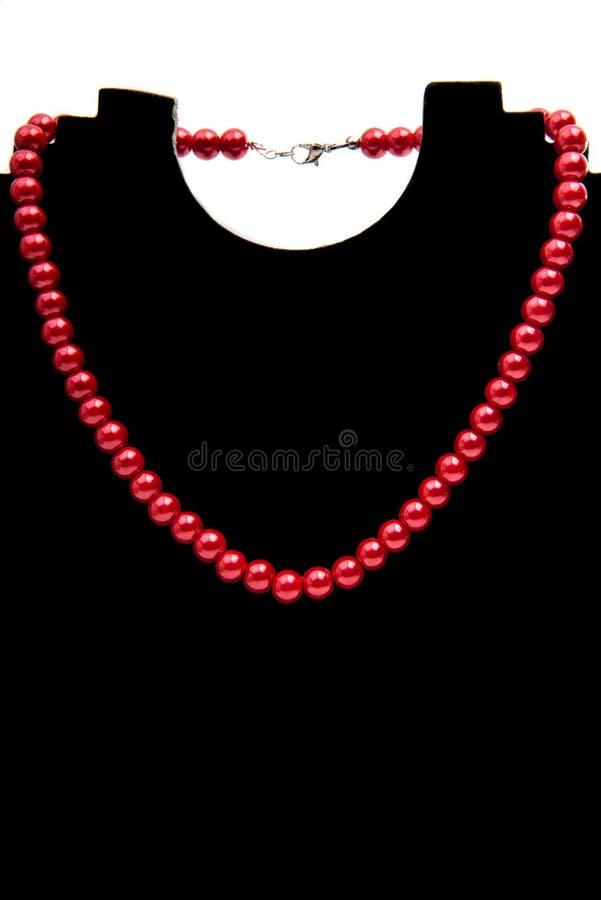 isolerad halsbandpärla royaltyfri foto